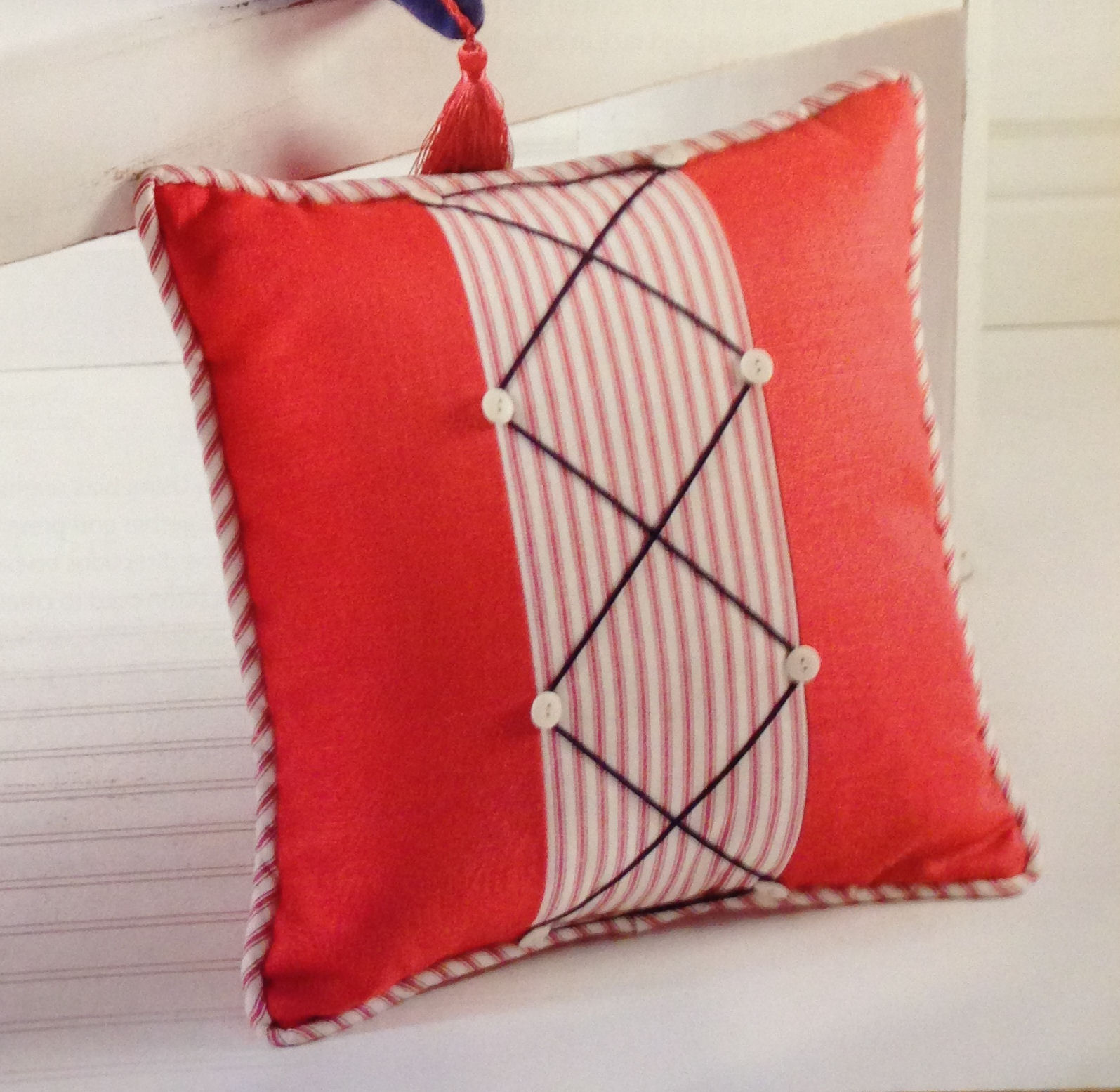 Book giveaway sew easy designer pillows judy nolan